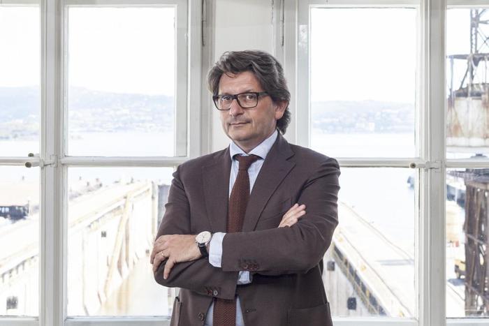 PortiDAgostino nuove sfide oligopoli e decarbonizzazione