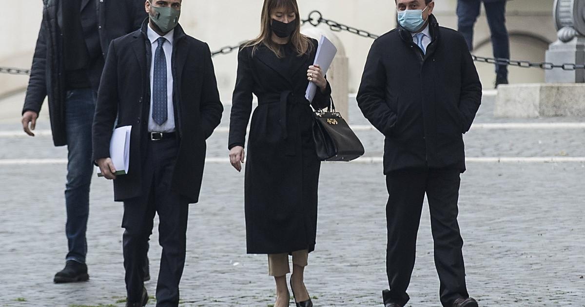 Presidente Conte ha ragione la Boschi. Retroscena figura di palta al vertice ministri Pd costretti a umiliare il premier