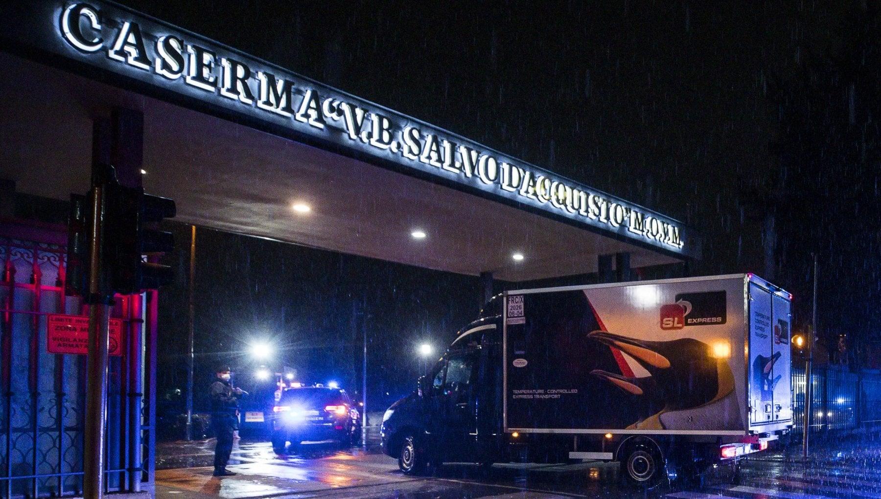 Roma il furgone Pfizer arriva allo Spallanzani con le prime 955 dosi