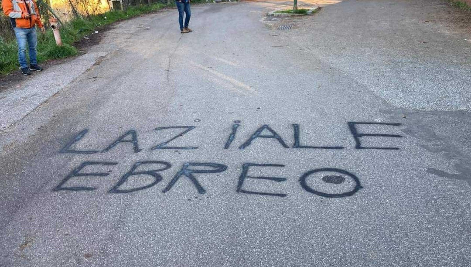 Roma scritte antisemite davanti a una scuola alla Balduina