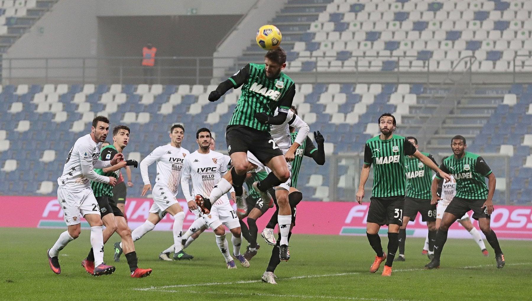 Sassuolo Benevento 1 0 Berardi su rigore poi Consigli para tutto