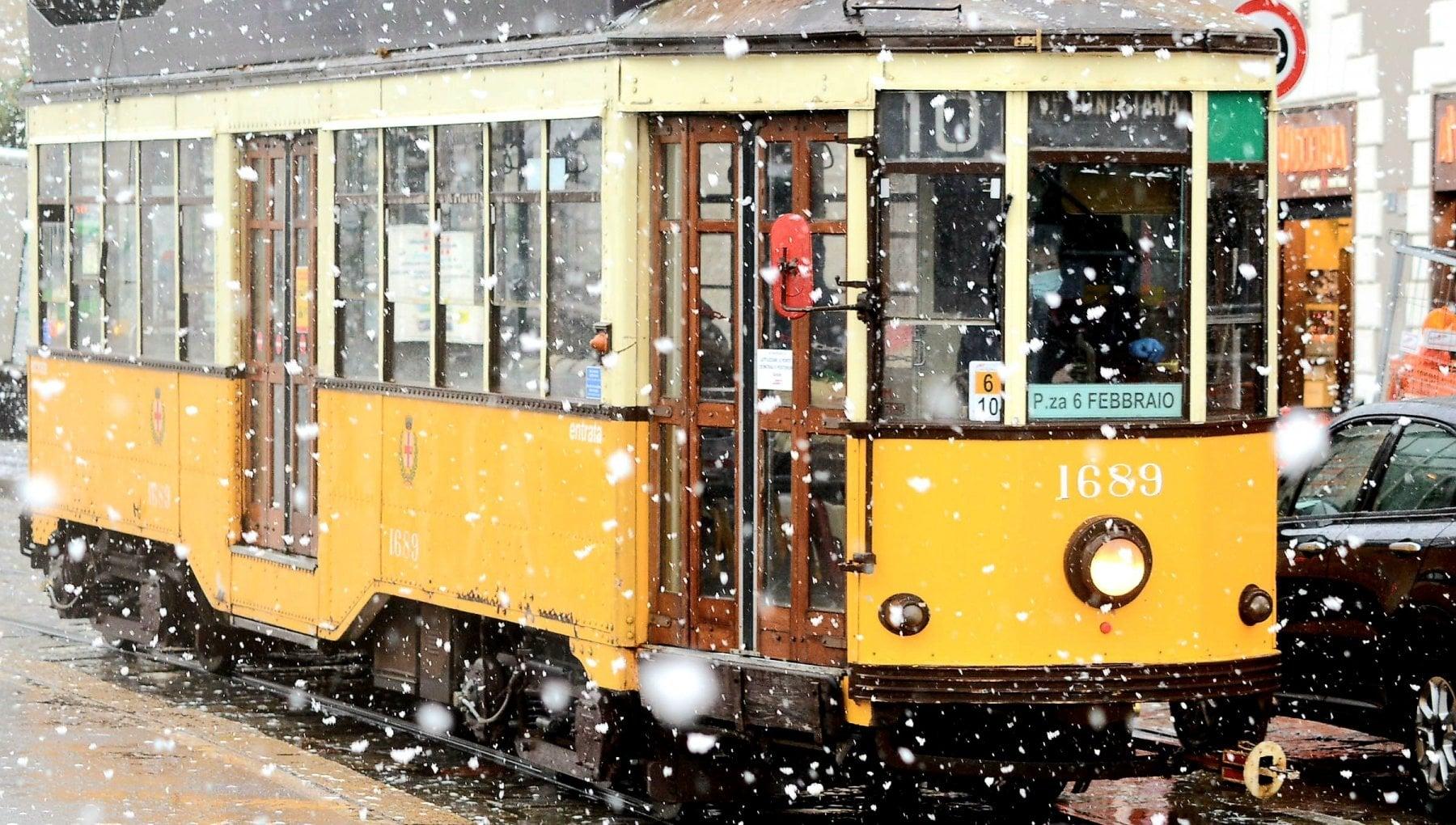 Sera di Natale con neve bufere di vento e allerta meteo