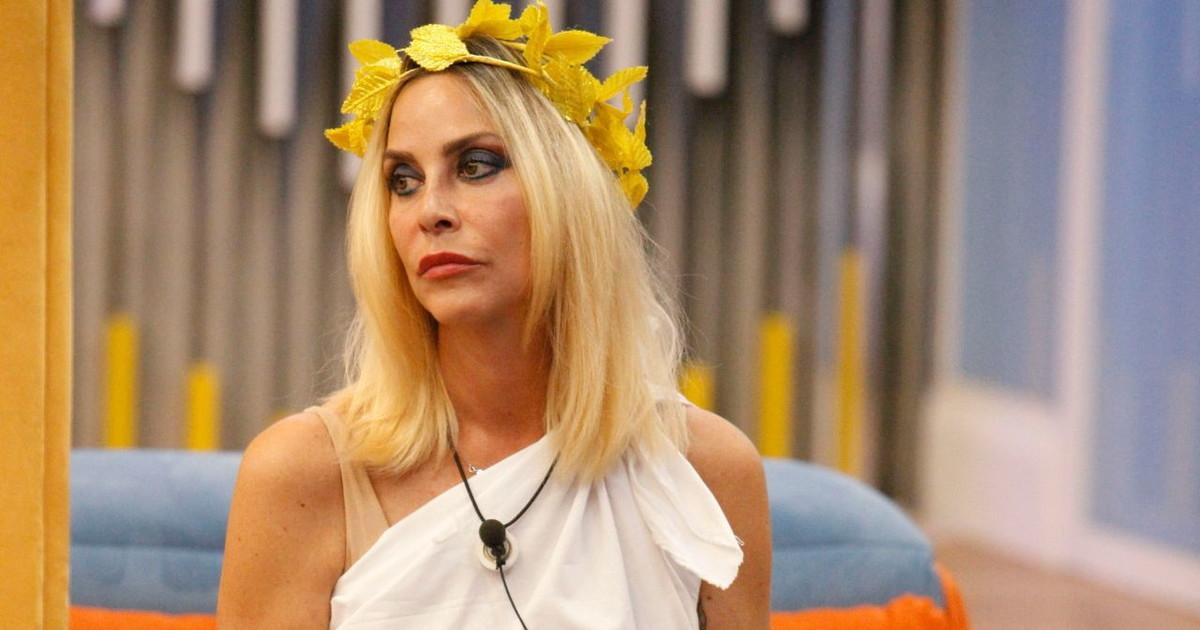 Stefania falsa Ma se la contessa quando e entrato Bettarini.... GF Vip il marito della Orlando sgancia la bomba