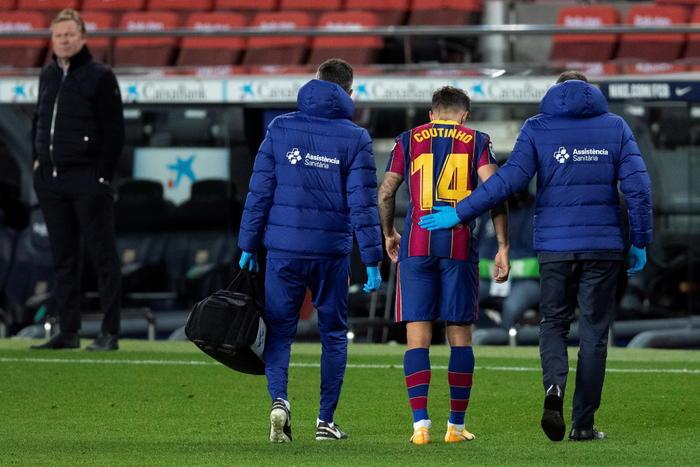 Tegola sul Barcellona Coutinho si deve operare