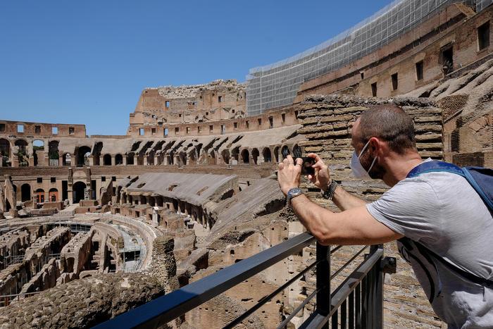 Turismo Istat crollo presenze stranieri citta arte hotel