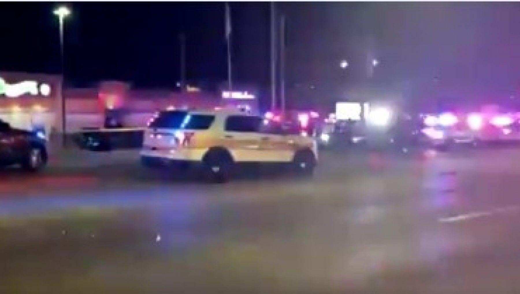Usa sparatoria in un bowling in Illinois almeno 3 vittime fermato un uomo