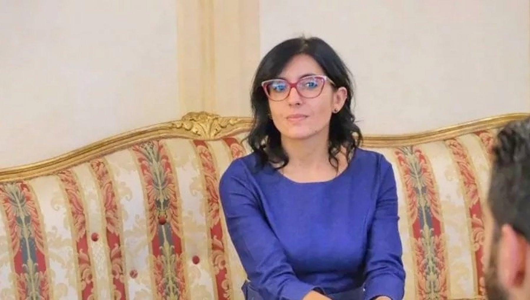 Vaccini scontro nel governo. La ministra Dadone replica a Zampa No allobbligo per i dipendenti pubblici
