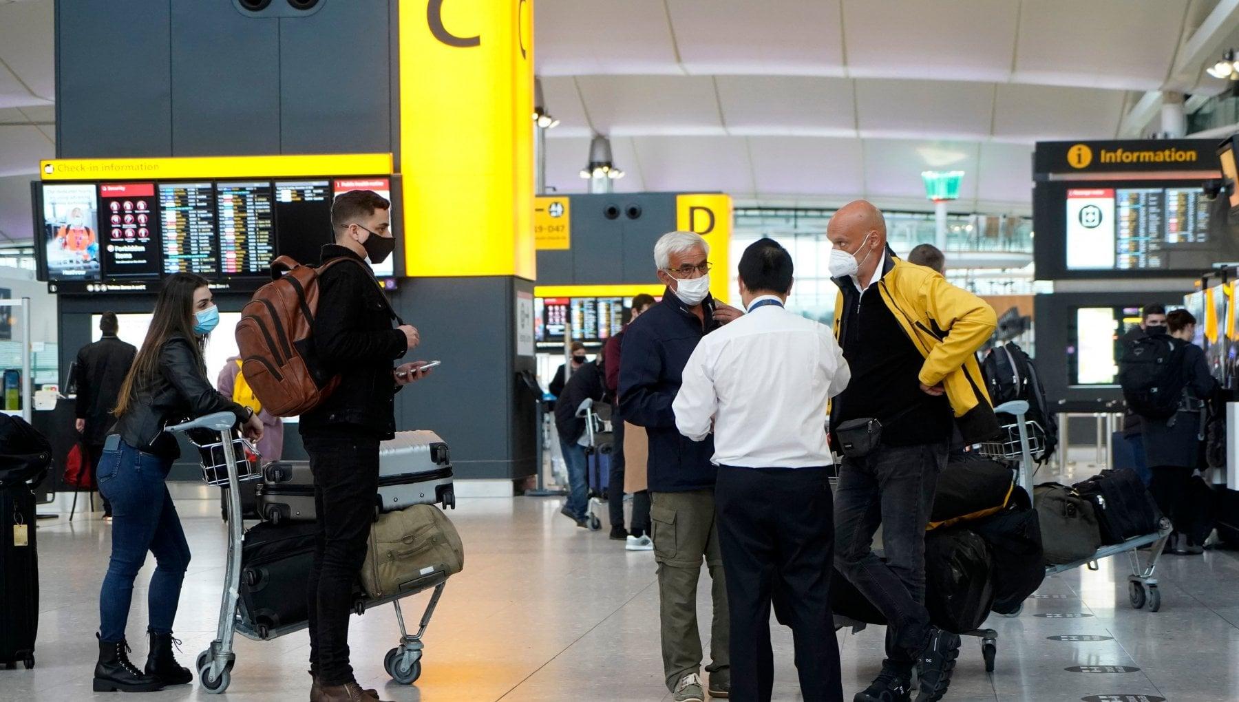 Viaggi dal Regno Unito i diritti dei passeggeri si a rimborsi e voucher. In attesa dei voli di Stato