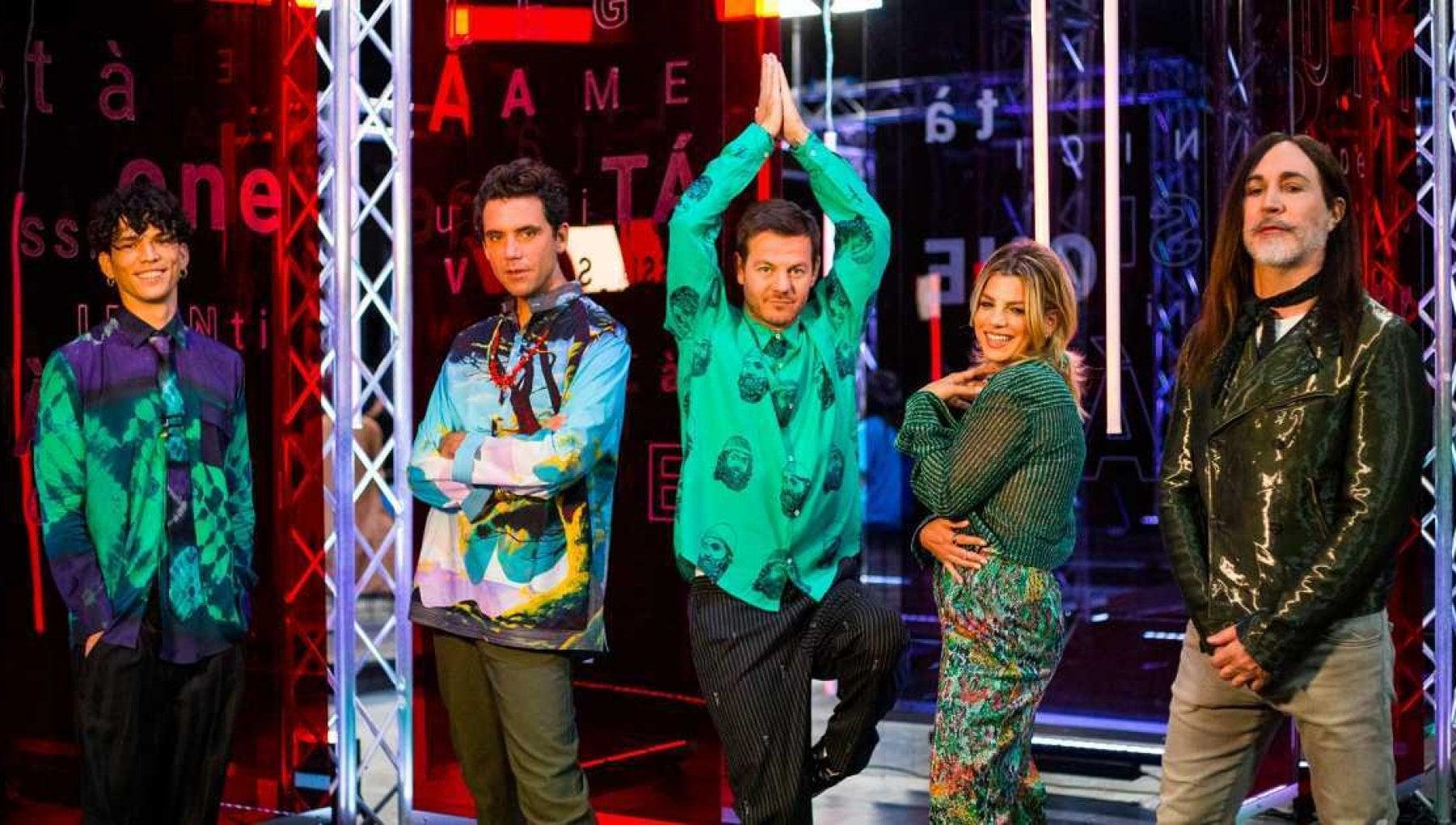 X Factor Blind Casadilego Little pieces of marmelade e N.A.I.P. si giocano la finale. I giudici duettano con i concorrenti