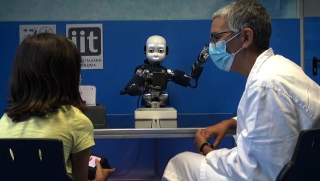 iCub un robot umanoide amico dei bambini autistici