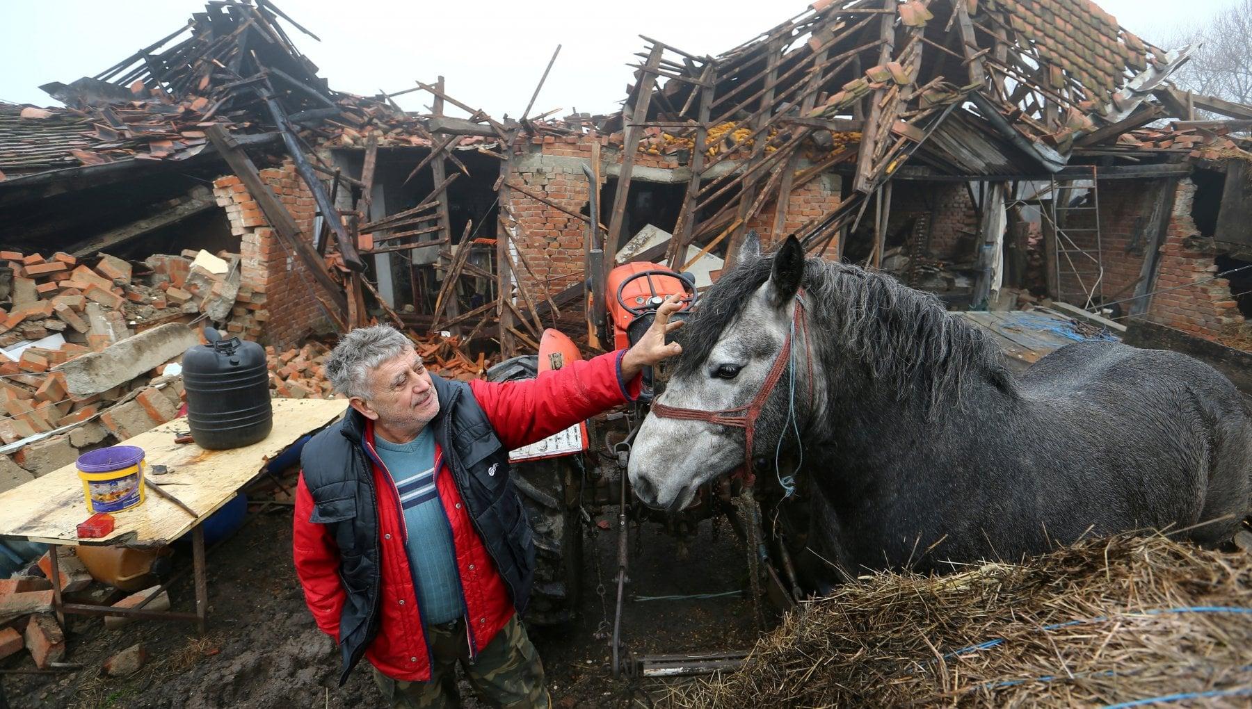 A Majske Poljane il villaggio piu colpito dal terremoto in Croazia Si sopravvive solo con la solidarieta
