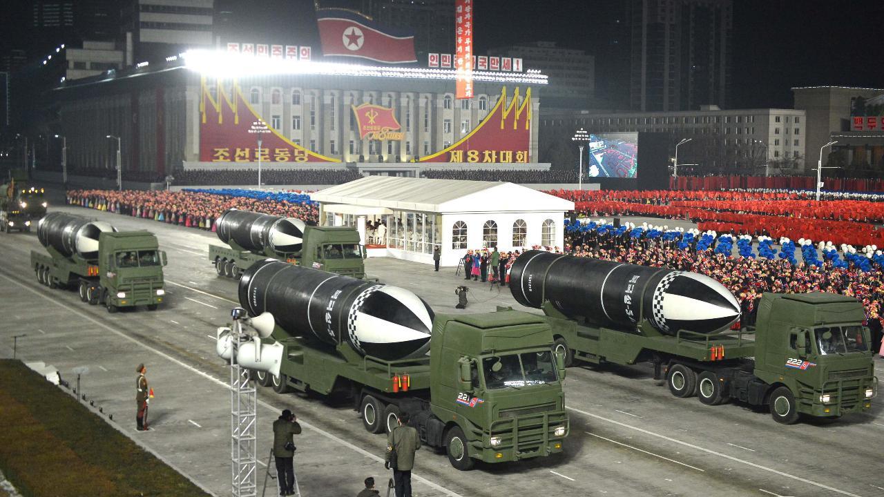 Alla parata militare spunta un missile balistico per sottomarino