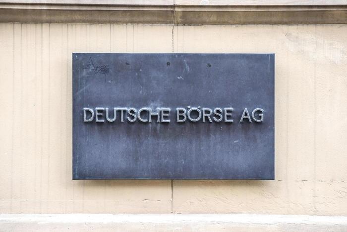 Borsa Europa peggiora giu banche e petroliferi
