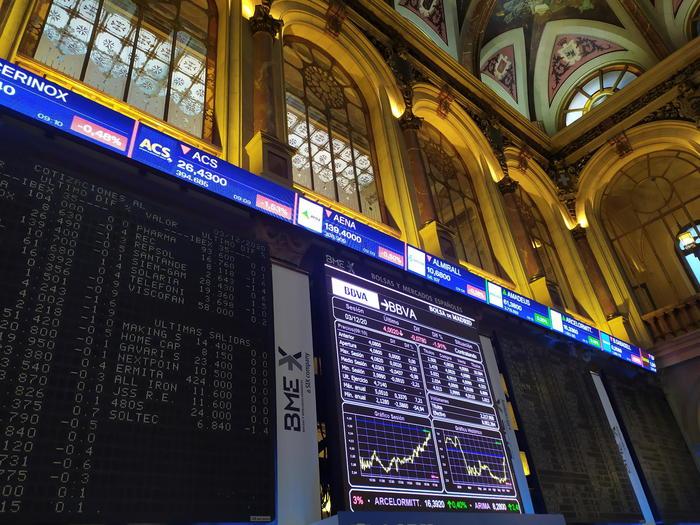 Borsa Milano frena insieme allEuropa