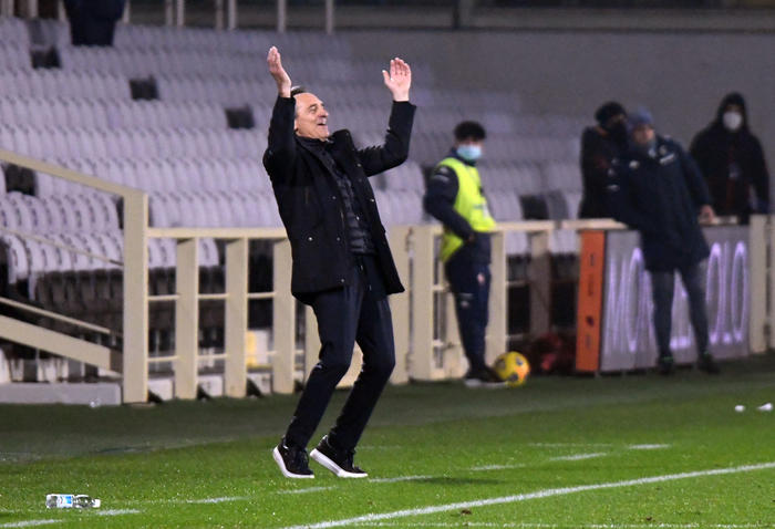 Calcio Fiorentina Prade No a Milik puntiamo su Vlahovic