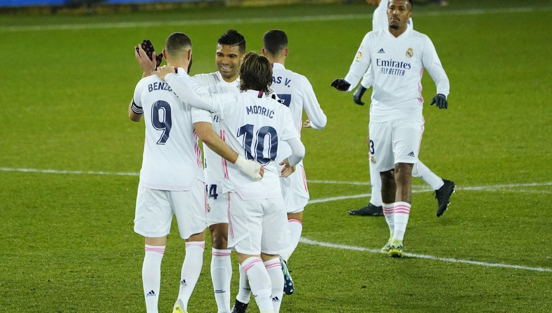 Calcio per il Covid i 20 top club dEuropa perderanno 2 miliardi Barcellona e Real col fatturato piu alto Juventus decima