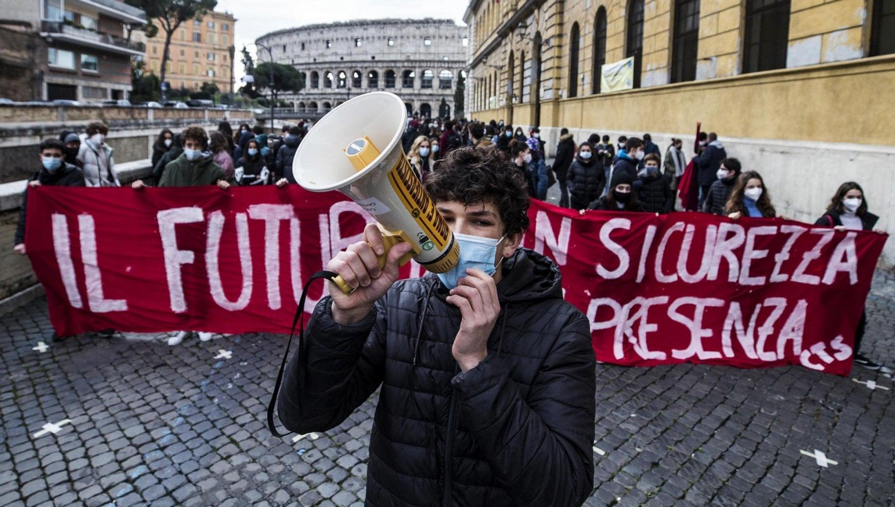 Classi chiuse lettere a Repubblica dalle scuole