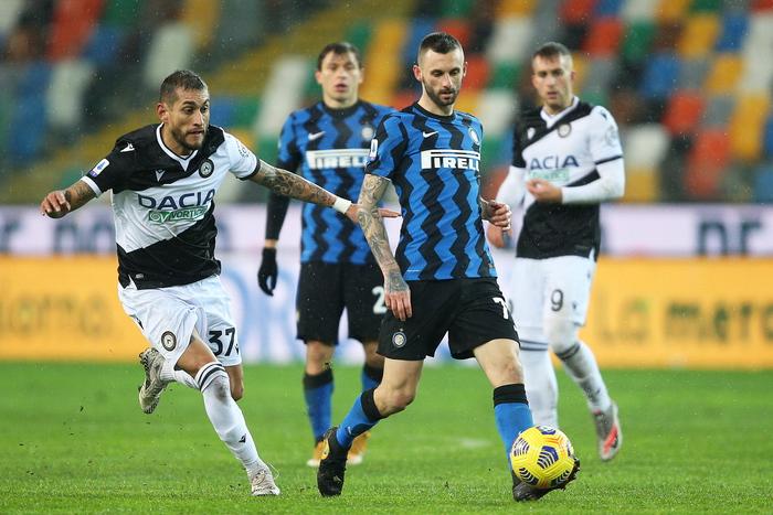 Coppa Italia derby Milano decide la prima semifinalista