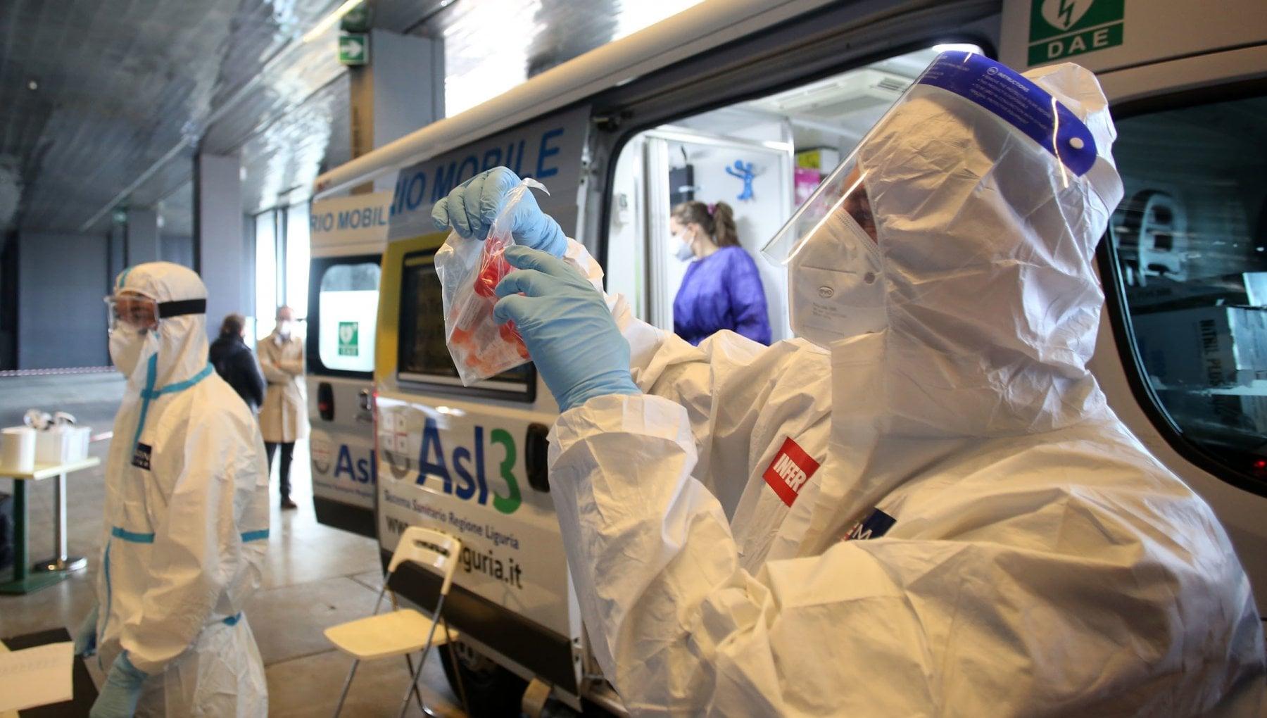 Coronavirus il bollettino di oggi 5 gennaio 15.378 nuovi casi e 649 vittime