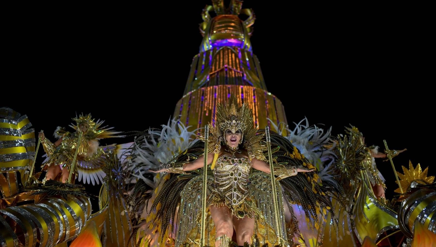 Coronavirus in Brasile Rio de Janeiro cancella il Carnevale