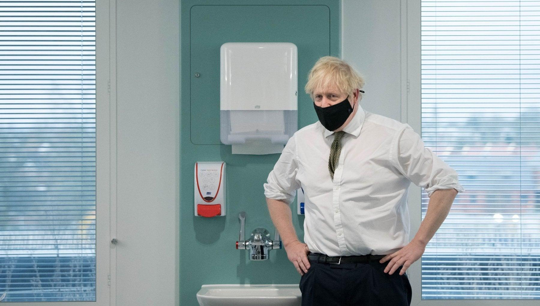 Coronavirus in Regno Unito terzo lockdown. Il premier parla alla nazione stasera