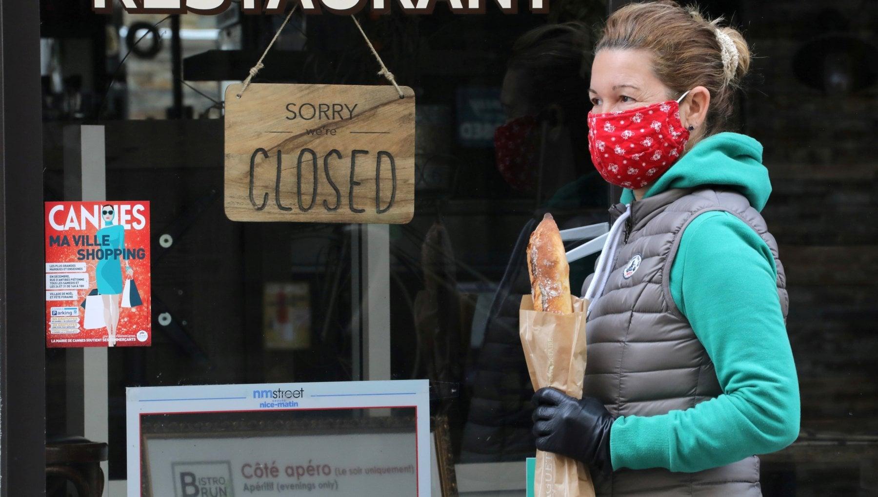 Coronavirus nel mondo Germania in lockdown. Fauci In Usa un milione di vaccini al giorno