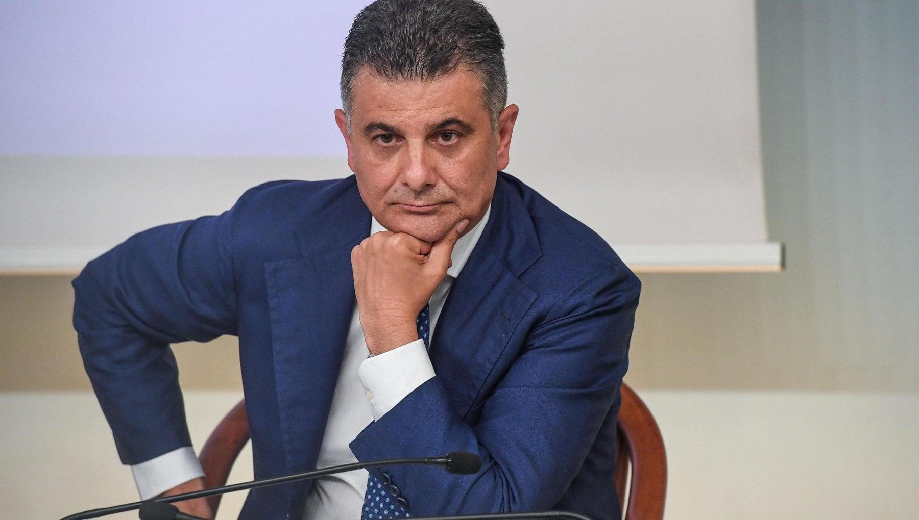 Crisi di governo prime crepe dentro Italia viva De Filippo vota la fiducia