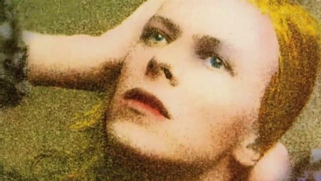 David Bowie oggi avrebbe compiuto 74 anni e debutta su Tik Tok