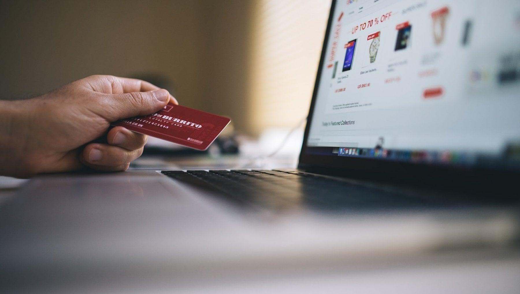 Doppia autenticazione per i pagamenti online la paura di una frenata negli acquisti