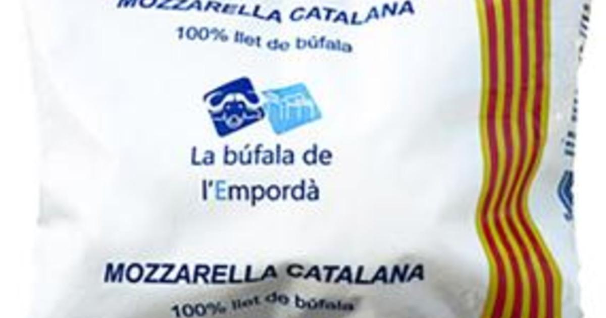 Falsa mozzarella di bufala catalana denunciato caseificio spagnolo