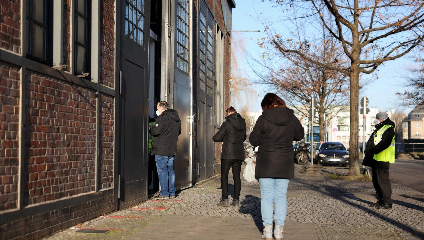 Germania lotteria per i vaccini nelle case di riposo