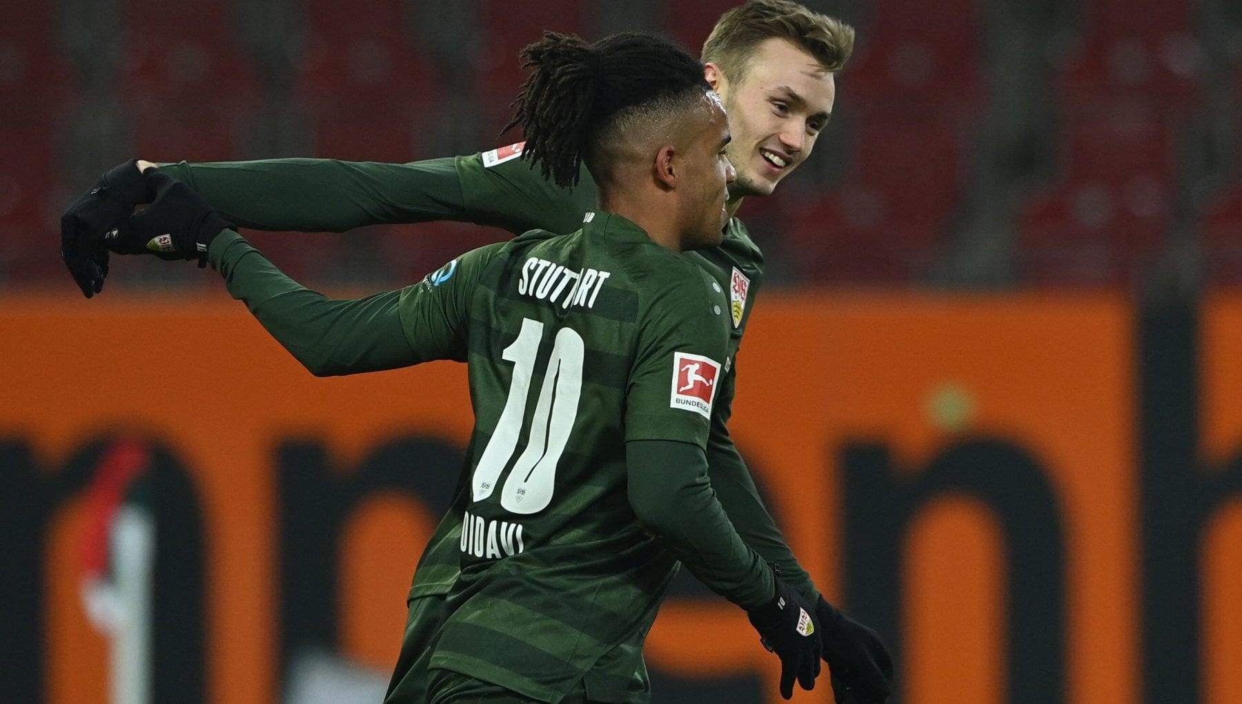 Germania parrucchieri contro calciatori Ce il lockdown ma esibiscono tagli perfetti