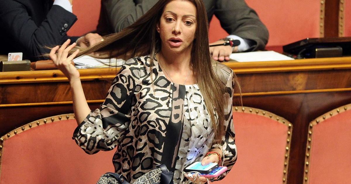Gia due incontri dopo il voto in Senato. Mariarosaria Rossi scenario clamoroso dove puo finire lex fedelissima del Cav
