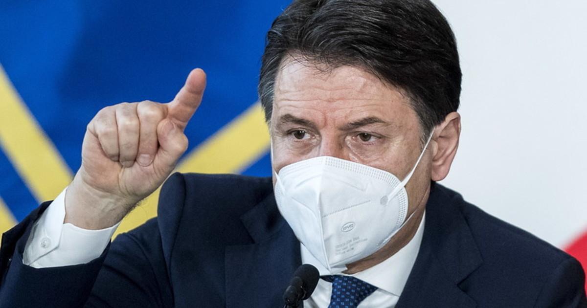 Giuseppe Conte ci imprigiona anche senza maggioranza tanti saluti alla democrazia