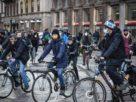 Guida agli sport consentiti in bici e di corsa senza limiti sulla neve con le ciaspole e sci di fondo