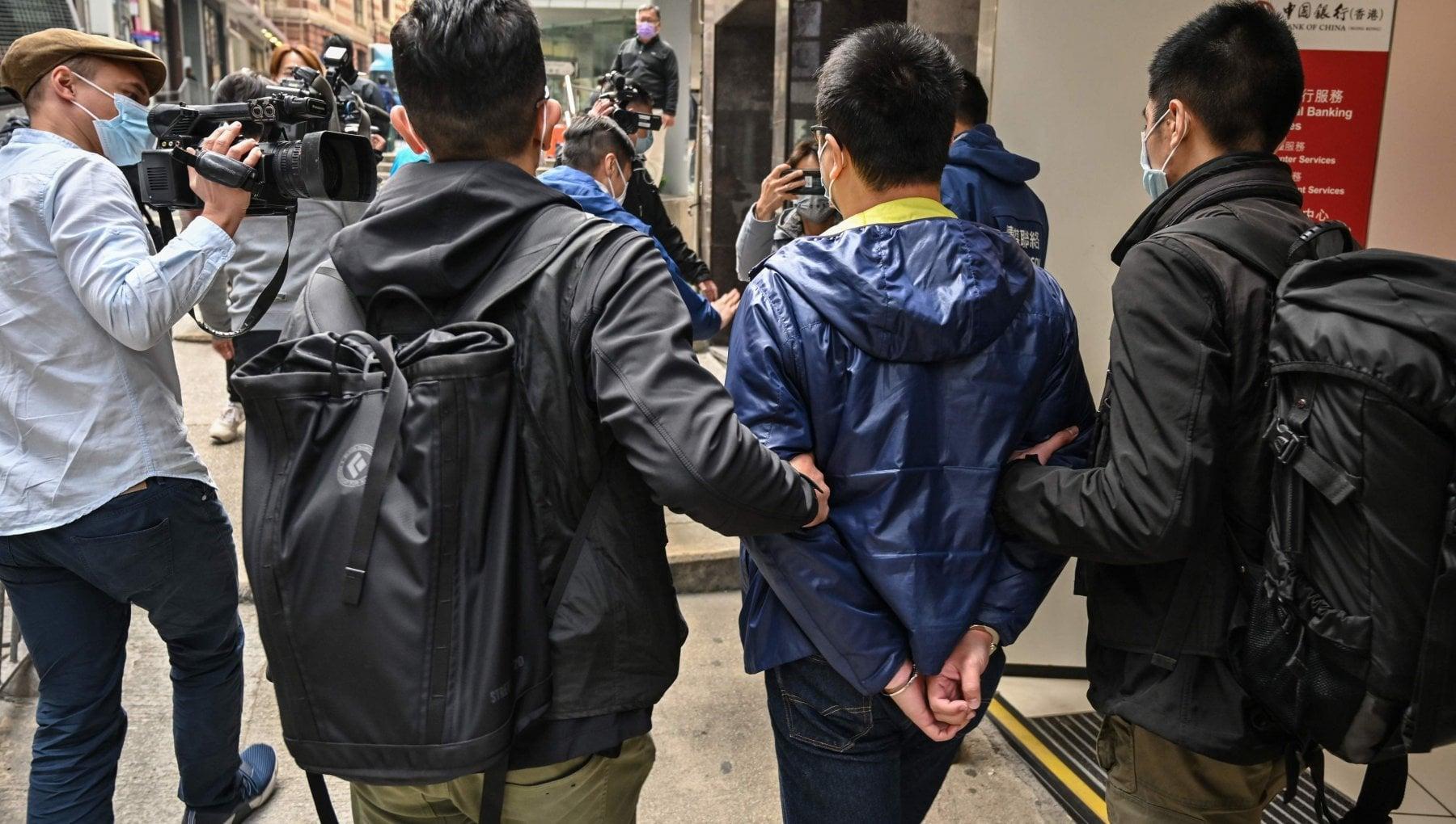 Hong Kong arresti degli attivisti pro democrazia ce un americano