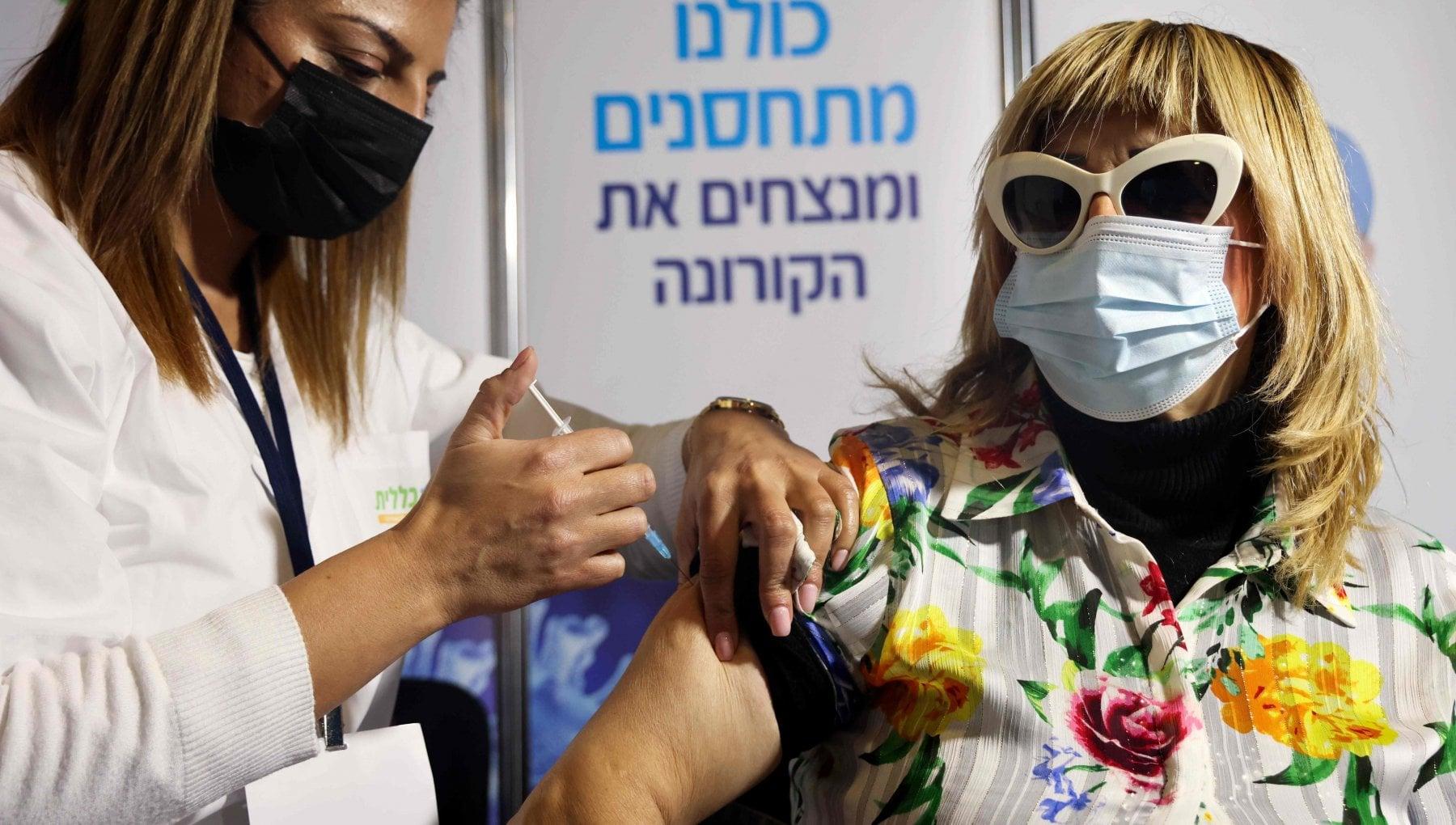 I primi dati sullefficacia dei vaccini arrivano da Israele La prima dose non protegge come previsto