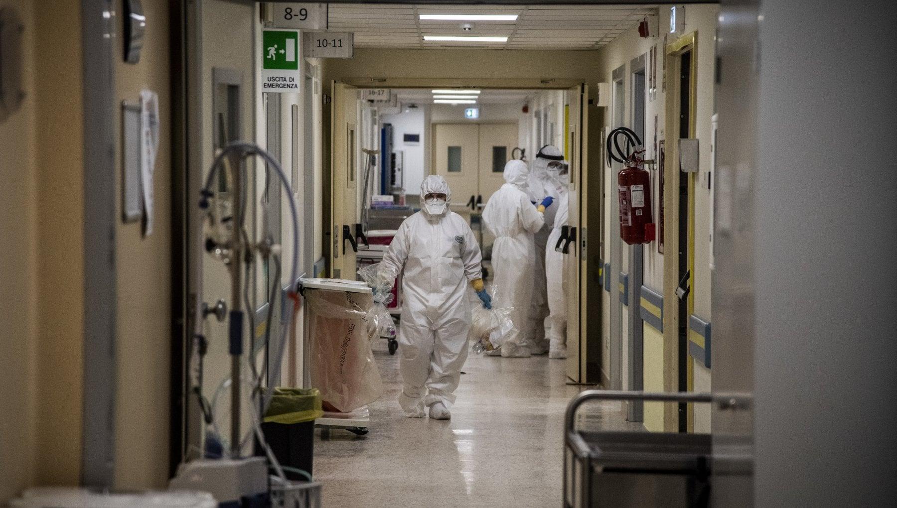 I volontari degli ospedali Aprite le Terapie intensive ai parenti dei pazienti gravi
