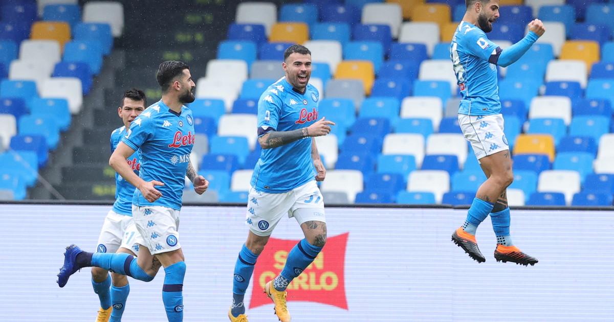 Il Napoli gioca a tennis e polverizza la Fiorentina 6 0 Insigne in stato di grazia