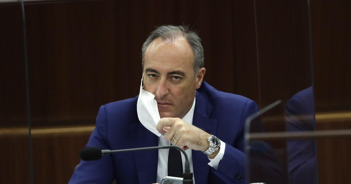 Il governo manda in Lombardia le siringhe sbagliate. Arcuri blindato paga solo Gallera
