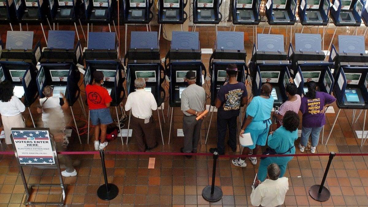 Il voto elettronico puo o no aiutare la democrazia