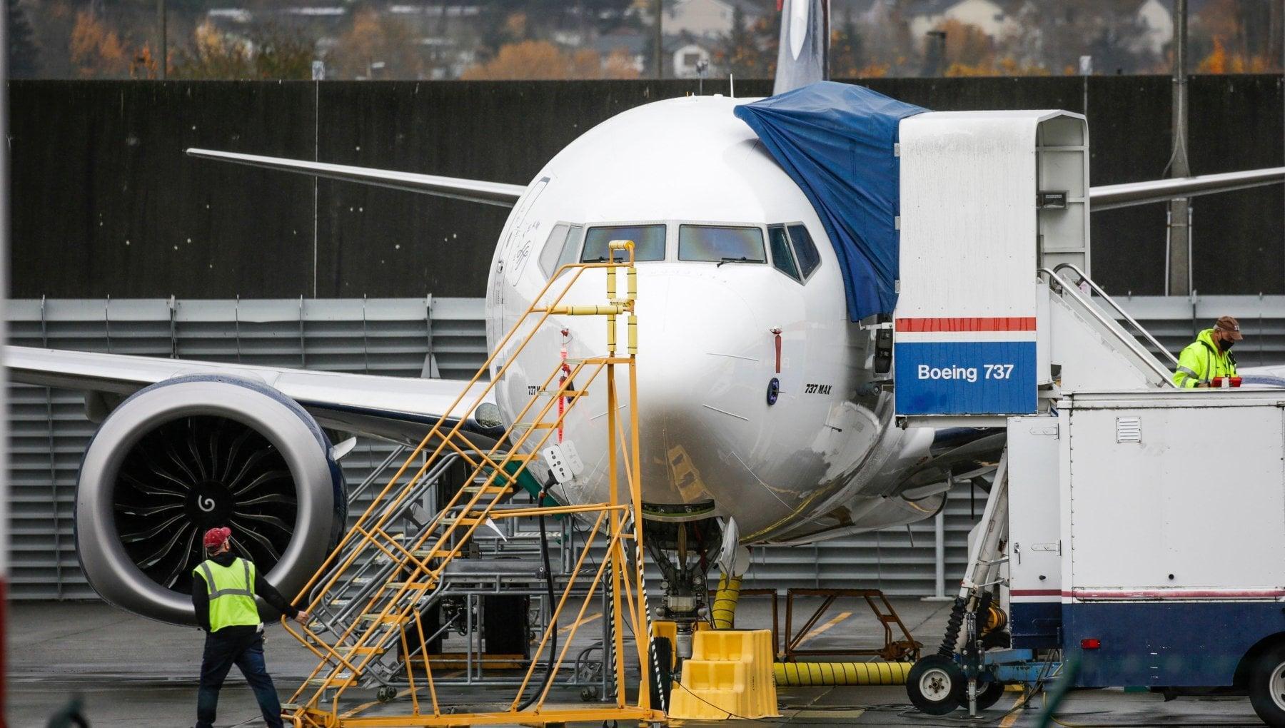 Indonesia persi i contatti con un Boeing partito da Giacarta 59 le persone a bordo