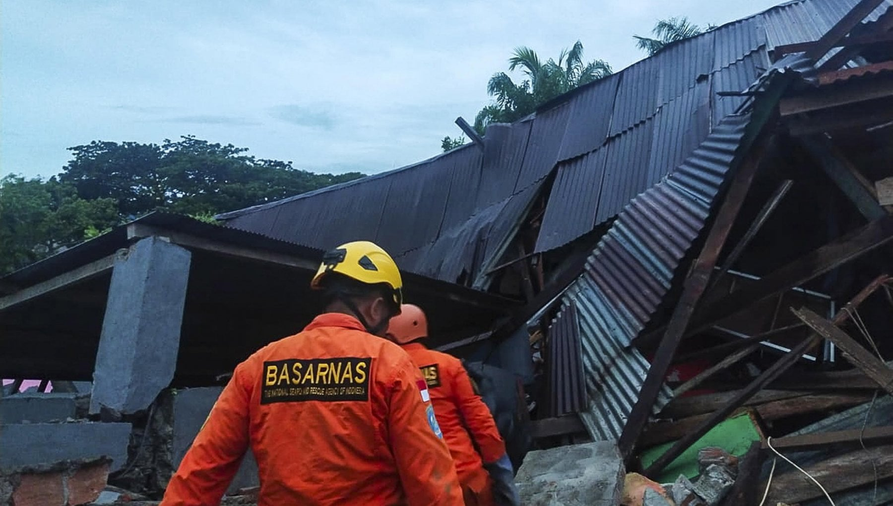 Indonesia terremoto di magnitudo 62. Tre morti e diversi feriti