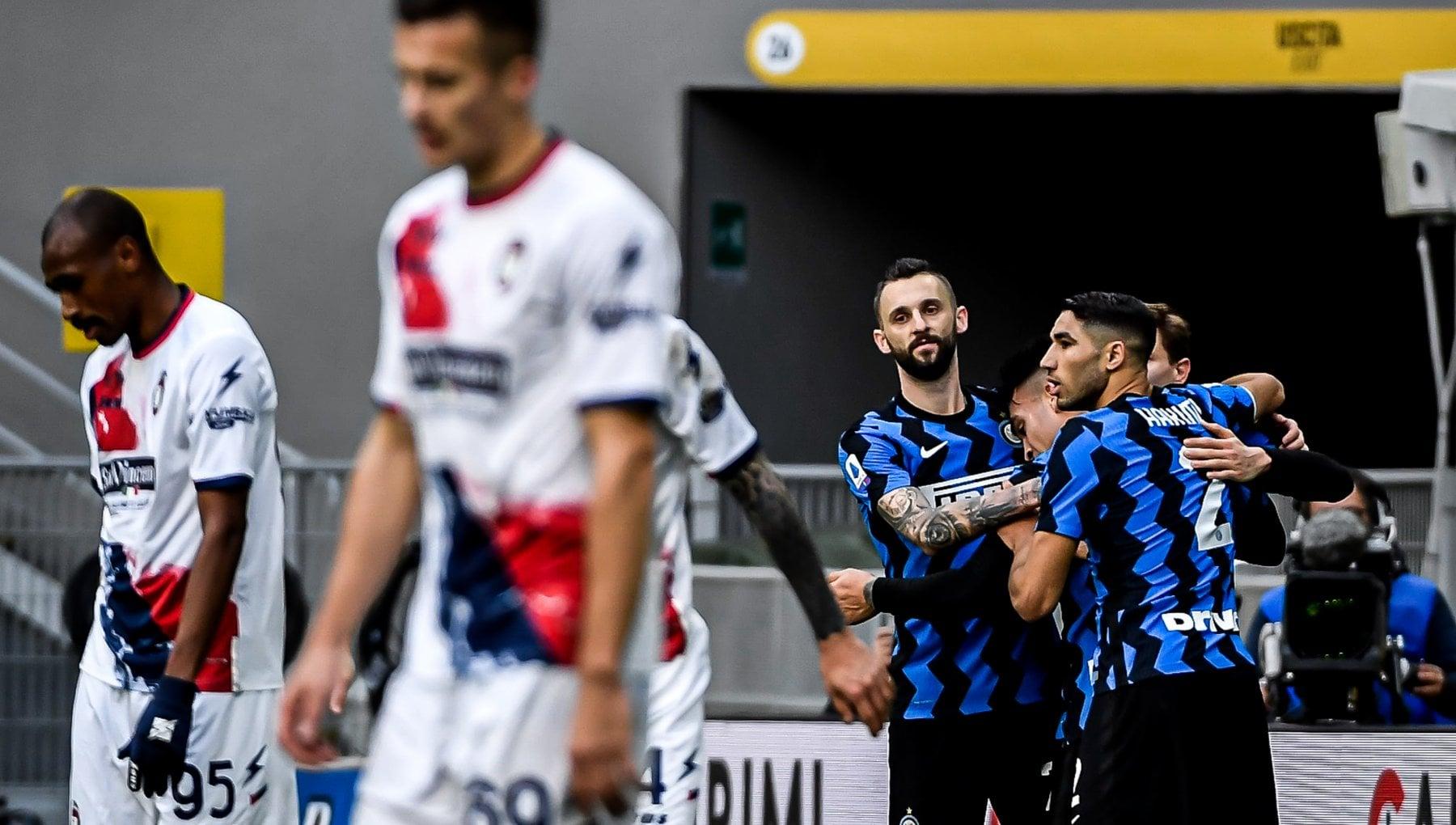 Inter Crotone 6 2 nerazzurri a valanga tripletta di Lautaro Martinez