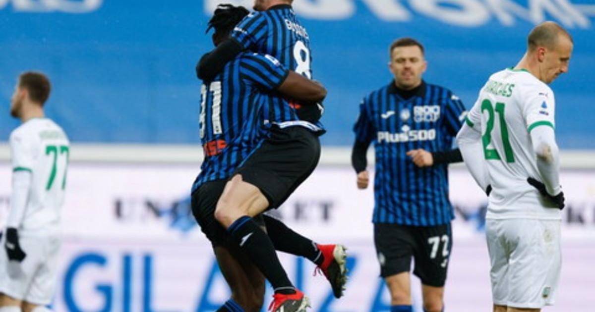 La Roma resta terza Napoli espugna Cagliari manita Atalanta