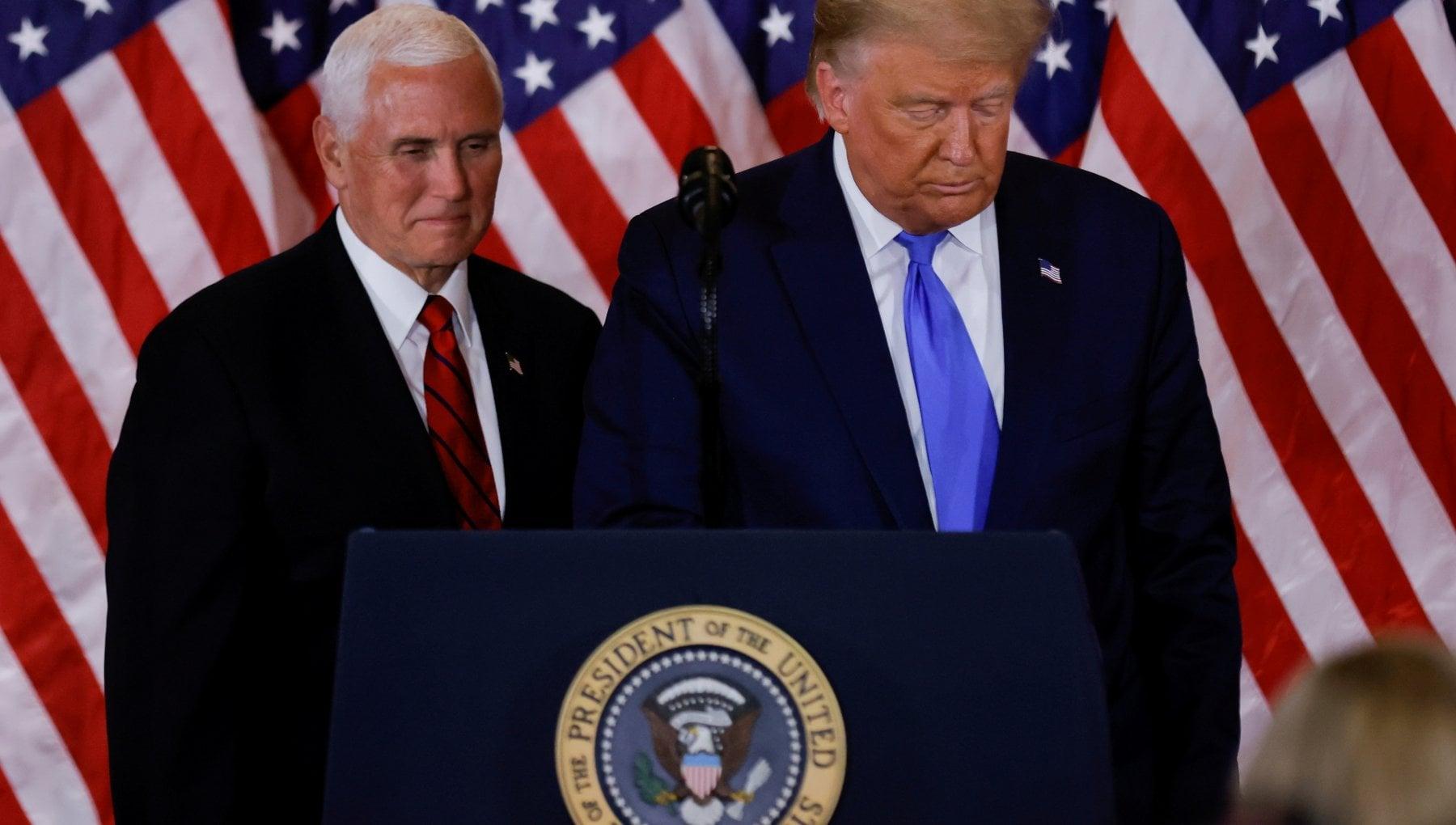 La corsa dei democratici contro il presidente Non puo restare fino al 20 gennaio