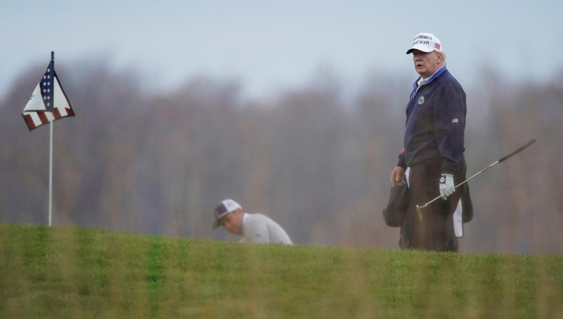 La premier Sturgeon contro Trump Niente golf in Scozia per evitare il giuramento di Biden