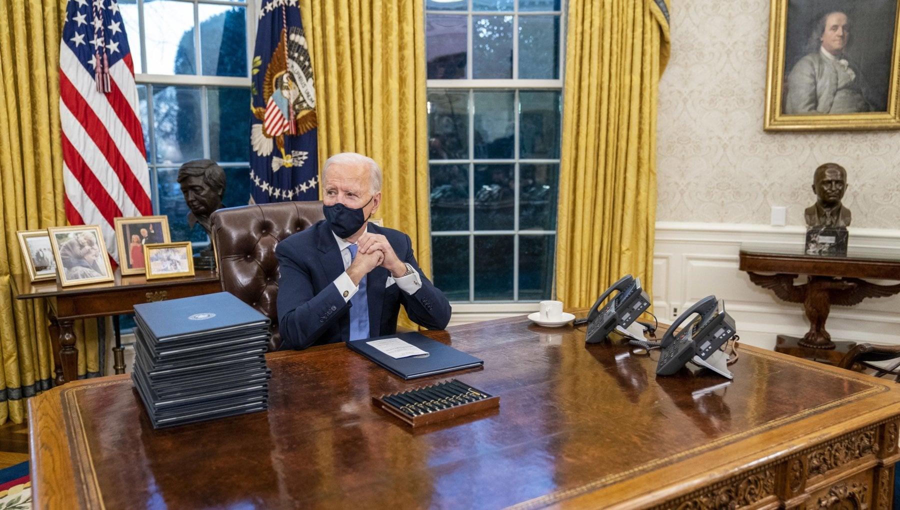 Larredamento e politica Joe Biden cambia mobili e quadri nello Studio Ovale