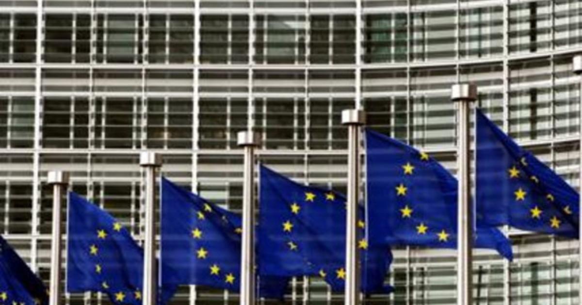 Lavoro sindacati europei donne pagate 800 euro in meno di uomini per stessa mansione