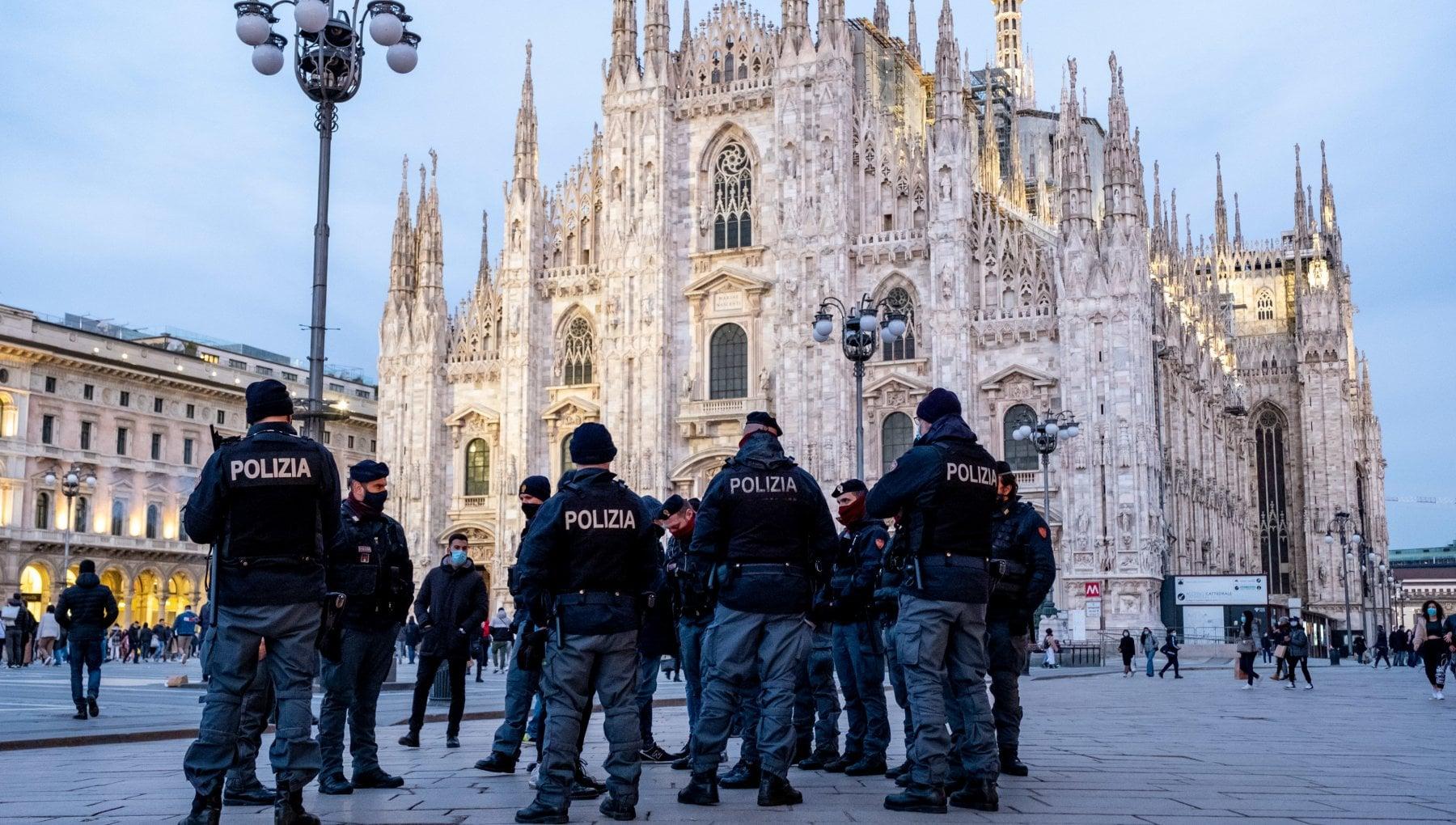 Lombardia in zona rossa da domenica 17 gennaio Fontana Ricorso al Tar e una punizione. Superiori restano chiuse